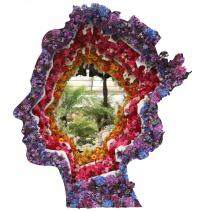 Queens head portrait in flowers at the Chelsea flower show