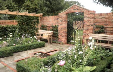 RHS Hampton Court 2012 - The Poets' Retreat